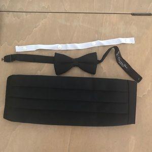 NWOT Tie bow tie cummerbund set
